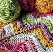 Most Zigzag crochet stitches usually combine the double crochet, the treble crochet and the chain stitch. This is a simple Zigzag that uses only chain stitches and single crochets. It can be used to make pillows, throw blankets, sweaters, vests etc. This stitch can be used to crochet treasured gifts for family or friends all year round. Here are the steps for crocheting a simple Zigzag stitch into a lovely throw for your living room or bedroom.