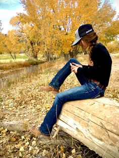 Cowgirl Style Outfits, Western Outfits Women, Country Style Outfits, Southern Outfits, Rodeo Outfits, Cute Casual Outfits, Farm Outfits, Country Fashion, Cute Country Girl