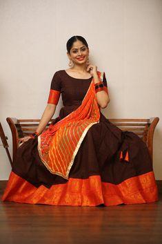 Sungudi Brown and Orange Dhavani Set – Tamara Long Gown Dress, Sari Dress, Long Frock, Dress Indian Style, Indian Outfits, Indian Long Gowns, Diwali Dresses, Orange Saree, Full Length Gowns