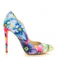 pantofi dama din piele naturala 1501 flori mari Leather Shoes, Stiletto Heels, Pumps, Casual, Fashion, Leather Loafers, Leather Pumps, Moda, La Mode