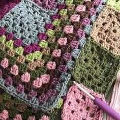 Joining grannies as you go really speeds up blanket making 😊 #patchwork #stylecraft #grannysquare #crochetaddict #crochetersofinstagram #crochetuk #crochetlove #joinasyougo