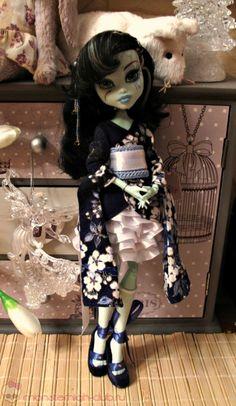 Yukata, skirt, stockings for MH