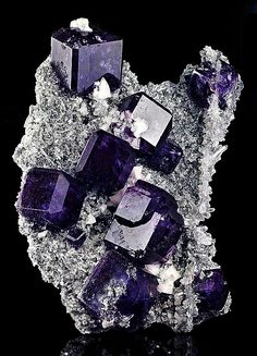 Fluorite with Dolomite and Quartz. Fluorit mit Dolomit und Quarz - Shangbao, Leiyang Co. Minerals And Gemstones, Rocks And Minerals, Natural Crystals, Stones And Crystals, Gem Stones, Beaded Beads, Rock Collection, Beautiful Rocks, Mineral Stone