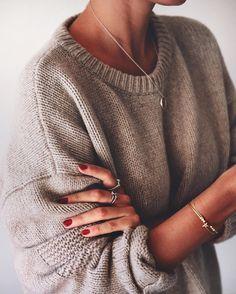 La joie de ressortir ses tricots confos #lookdujour #ldj #knit #fall #fashion…