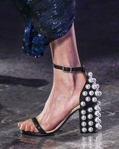 C A N T G E T E N O U G H of this thick-heels trend #ss16 @emiliopucci #fashion #moda #trend #tendencia #shoes #whatidolike