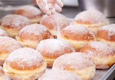 Loja Dulca mostra como comprar doces, bolos e tortas na Internet - Rakuten Magazine - Descubra o mundo da Rakuten Stop Eating Sugar, Unhealthy Diet, Pan Dulce, Sweet Bread, Baking Recipes, Bakery, Food And Drink, Yummy Food, Snacks