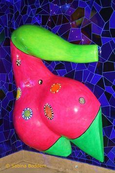 Farbenrausch und Sinneslust in der Grotte von Niki de Saint Phalle - in den Herrenhäuser Gärten Hannover