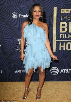 Uh oh: Nia Long had a formal complaint filed against her and even no-showed her scenes opposite main stars Taraji P Henson and Terrence Howard according toTMZ Celebrity Makeup Looks, Celebrity Style, Black Film Festival, Lab, Sagittarius Girl, Long Pictures, Nia Long, Short Black Hairstyles, Female Actresses