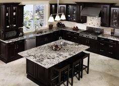 Trendy kitchen layout with island dark cabinets Dark Countertops, Kitchen Countertops, Kitchen Backsplash, Kitchen Island, Backsplash Ideas, Black Counters, Granite Kitchen, Marble Counters, Granite Tile