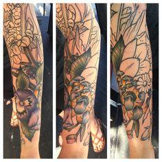 Started coloring this guy today #tattoo #tattooed #tattooart #tattoodesign #tattooedgirls #sleeve #fullsleeve #flowers #flowertattoos #lynnhessel #portland #portlandtattoos #pdx #pdxart #pdxartists #pdxtattoos #pdxtattooers #ink #mutinypdx @mutinypdx