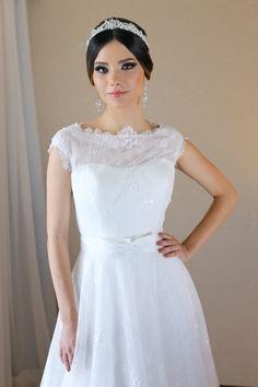 Coleção exclusiva La Fiancée Noivas. Agende um horário conosco e conheça o vestido dos seus sonhos. www.lafiancee.com.br. 61 98133-9639 (WhatsApp) ou pelo telefone 61 3364-0865. Entregamos em todo Brasil.    #lafianceenoivas #lafiancee #inesquecivelcasamento #noivasbrasilia #luxodefesta #vestidodenoiva #brides #casamento #sayido #constancezahn #vestidadenoiva