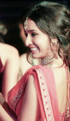 Shraddha kapoor her smile😍😍😍 Bollywood Heroine, Beautiful Bollywood Actress, Most Beautiful Indian Actress, Indian Celebrities, Bollywood Celebrities, Beautiful Celebrities, Bollywood Girls, Bollywood Fashion, Bollywood Quotes