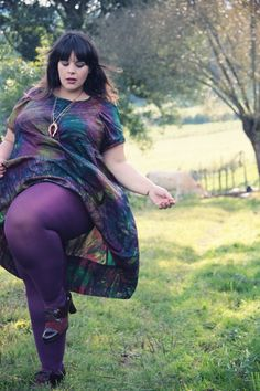 Le blog mode de Stéphanie Zwicky--this outfit just looks wicked comfortable.  And love the eggplant color of the stockings.