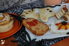 We are continuing the Halloween theme and I'm back again with a really fun Halloween Breakfast that your kiddos are going to love and you will have a Healthy Halloween Treats, Halloween Desserts, Happy Halloween, Halloween Party, Bobbing For Apples, Apples To Apples Game, Breakfast Pockets, Halloween Breakfast, Pumpkin Carving Contest