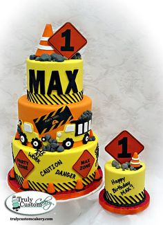 Construction Cake - this was the theme for my grandson's birthday party last year. Construction Birthday Parties, Construction Party, Boy Birthday Parties, Birthday Cake, Birthday Ideas, Bolo Original, Gateaux Cake, Cakes For Boys, Boy Cakes