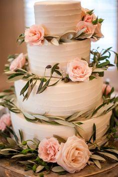 Simple Summer Farm Wedding at Historic Cedarwood | Historic Cedarwood | All Inclusive Designer Weddings