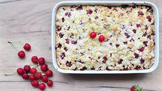 Jednoduchý ovocný hrnkový koláč s drobenkou, to je letní klasika. Podle sezonnosti můžete doplnit ovoce, které právě zraje a máte ho k dispozici. Oatmeal, Breakfast, Recipes, Food, The Oatmeal, Morning Coffee, Rolled Oats, Essen, Eten