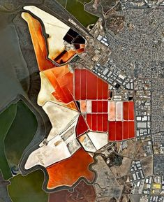 Salt ponds San Francisco Bay, California, USA The salt evaporation ponds seen here cover roughly 10 square miles square km) in San Francisco Bay, California, USA. Aerial Photography, Landscape Photography, Photography Tips, Night Photography, Digital Photography, Scenic Photography, Baie De San Francisco, St Francisco, Aerial Images