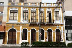 Prédio Casa dos Anjos, que faz parte do eixo de interesse de perservação na Av. Marechal Floriano Peixoto número 612. Curitiba, 09/11/2007 Foto: Maurílio Cheli/SMCS