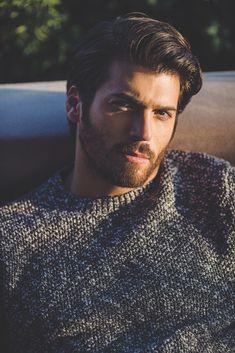 Can Yaman on Turkish Men, Turkish Beauty, Turkish Actors, Handsome Celebrities, Beard Styles For Men, Handsome Faces, Male Face, Men Looks, Gorgeous Men