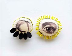 blinking eye from french artist lyndie dourthe. work inspired by anatomy, botany and curiosity. Eye Jewelry, Jewelry Art, Jewelry Accessories, Textile Jewelry, Textile Art, Bijoux Design, Jewelry Design, Photocollage, Textiles
