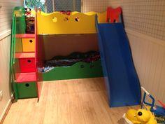 Beliche Infantil com Escada de Gavetas e Escorregador.