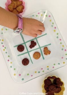 TIC TAC TOE Snack Plate for Kids! Or should I say TIC SNACK TOE??? ;)