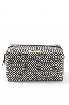 PERFECT make up bag to throw in your purse. Or I even use mine to carry my phone, cards/cash and lip gloss when I'm heading to the beach and using a huge tote!   Stella & Dot Pouf - Mosaic Tile  Travel, small bag, accessories