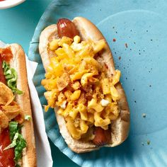Mac and cheese on a hot dog? First make the mac and cheese, then pile it onto your hot dog. Add a pinch of chili powder, and bite into this nostalgic combo of two favorite childhood foods. Mac And Cheese Homemade, Macaroni And Cheese, Mac Cheese, Cheddar Cheese, Hot Dog Recipes, Lunch Recipes, Hamburgers, Hot Dog Buns, Hot Dogs