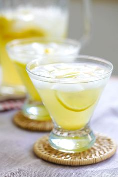 Lemon Drops on the Rocks - easy martini cocktail with vodka, lemon juice, triple sec and sugar. Just mix everything together and your party is on!