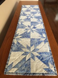 Hunters Star table runner. Love the pattern, maybe I need to make this to try it out.