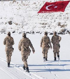 Turkish Soldiers, Turkish Military, Female Soldier, Military Aircraft, Girls, Winter Jackets, Around The Worlds, Outdoor, Image