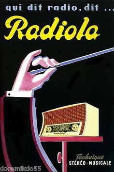 INSPIRATION ■ LA ROUTE DES VACANCES [#3] | La route Paris Côte d'Azur – Jacques Potherat ■ « La 'route de nuit' nous parlait par la voie de Roland Dordhain, sortant du Radiola 'grandes ondes-petites ondes' incrusté dans le tableau de bord : 'Clair de lune à Maubeuge... par André Verchuren... pour Marcel des Rapides d'Armorique... de la part de Ginette'. Cette émission était au routier, au voyageur de nuit ce que Radio Conquet est au marin, une présence rassurante, un radiophare »