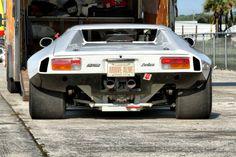 Tomaso Pantera -De Tomaso Pantera - Als das in Modena ansässige Unternehmen Automobili De Tomaso 1970 in New York den Pantera als Nachfolger des De Tomaso Mangusta vorstellte, hatte wohl. Sexy Cars, Hot Cars, Retro Cars, Vintage Cars, Dream Cars, Maserati, Ferrari, Lamborghini, Amazing Cars
