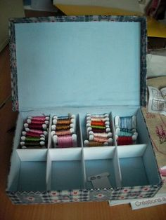 turn a shoe box into storage for your embroidery floss Embroidery Patterns Free, Embroidery Designs, Sewing Room Organization, Organizing, Cross Stitch Floss, Thread Storage, Yarn Thread, Sewing Rooms, Shoe Box