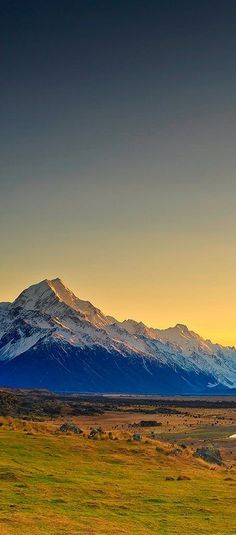 Sunrise of Mt Cook, New Zealand - Lord Of the Rings country