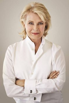 Actress, Downton Abbey fan, and avid reader Candice Bergen offers ideas for Downton Abbey-inspired reading. Candice Bergen, Downton Abbey, A Fine Romance, Core Wardrobe, Classic Hairstyles, Female Actresses, High Society, Aging Gracefully, Timeless Beauty