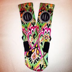 Customized Nike Elite Socks with monogram    Please include in NOTES TO SELLER SECTION:    1) SOCK SIZE: SMALL (3Y-5Y, 4-6 womens)  MEDIUM
