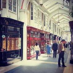 Did you know #Mayfair is named after the annual 'May Fair' which was held here before 1764! #WeLoveMayfair