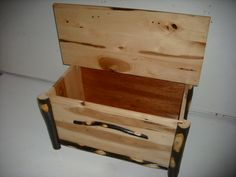 Hickory log rustic style blanket chest - Amish made in the USA. Great for interior decor in a rustic log cabin, lodge, country house, or farmhouse.