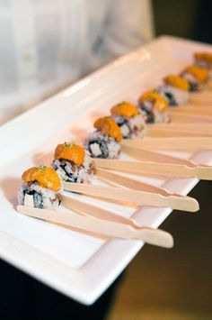 Stunning way to have sushi as an appetizer for your guests! Napkins are a must when serving these elaborate sushi rolls as wedding appetizers. Catering Display, Catering Food, Wedding Catering, Catering Design, Catering Buffet, Catering Events, Party Catering, Sushi Party, Snacks Für Party