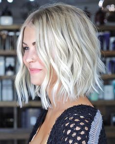 78 New Best Short Haircuts 2019 - Love this Hair hair frisuren, 78 New Best Short Haircuts 2019 Wavy Bob Hairstyles, Short Hairstyles For Women, Pixie Haircuts, Hairstyle Short, Stylish Hairstyles, Hairstyles Pictures, Bridal Hairstyle, Beautiful Hairstyles, Hairstyles For Over 40