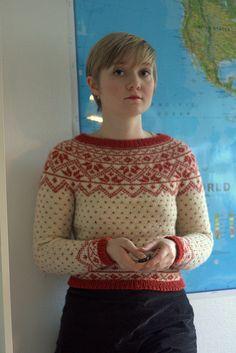 Ravelry: sisten's Telemarksgenser til jul Knit Or Crochet, Double Crochet, Fair Isle Knitting, Hand Knitting, Norwegian Knitting, Fair Isle Pattern, Vintage Knitting, Knitting Designs, Yarn Crafts