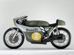 This is not a 'vintage cafe racer', this is a plain classic italian racing machinery..