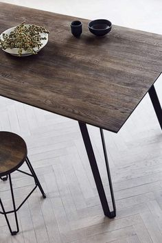 Dining table Space Smoked - Light framed furniture - MUUBS A/S Round Wood Kitchen Table, Coffee Table To Dining Table, Glass Dining Room Table, Rectangle Dining Table, Wooden Dining Tables, Kitchen Tables, Kitchen Floor, Kitchen Dining, Scandinavian Design