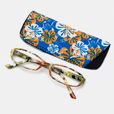 Gipsybee.com   With Bag Best Reading Glasses ... for Sale for 12.14 dollars - We accept cryptocurrencies as Bitcoin, Litecoins, Ethereum, Bitcoin Cash and More. Price Model, Buy Electronics, Cool Sunglasses, Reading Glasses, Cloth Bags, Uganda, Stuff To Buy, Color, Things To Sell