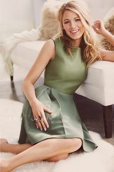 Blake Lively (Mallory Ann Stone (Blake's wife) Maiden name: Holt) Gossip Girl Outfits, Gossip Girl Fashion, Most Beautiful Women, Beautiful People, Looks Style, My Style, Blake Lively Style, Hollywood, Iconic Women