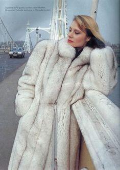 Very plush fur, the best of blue fox. Fox Fur Jacket, Fox Fur Coat, Fur Coats, White Fox, Blue And White, Fur Coat Fashion, Fabulous Fox, Queen Photos, Vintage Fur