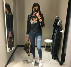 Moda Casual Outfits Winter Stylists For 2019 Mode Outfits, Trendy Outfits, Winter Outfits, Fashion Outfits, Womens Fashion, 20s Outfits, Movie Night Outfits, Funeral Outfits, Jeans Outfit Winter