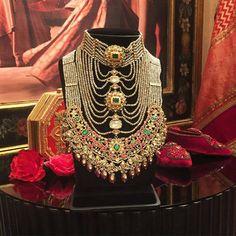 Inside the Vogue Wedding Show: Bridal Jewellery Bridal Jewellery Inspiration, Bridal Jewelry, Gold Jewelry, Lotus Jewelry, Indian Jewelry Sets, India Jewelry, Trendy Jewelry, Fashion Jewelry, Vogue Wedding